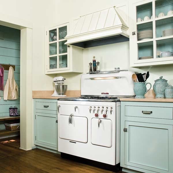 Kitchen Cabinets Two Colors on trend: two-tone kitchen cabinets